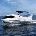 Dieses Speedboot von Paritetboat verfügt über einen Boden aus Glas