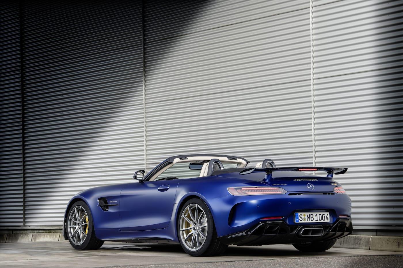Schöner geht es nicht: Mercedes-Benz präsentiert den AMG GT R Roadster 5