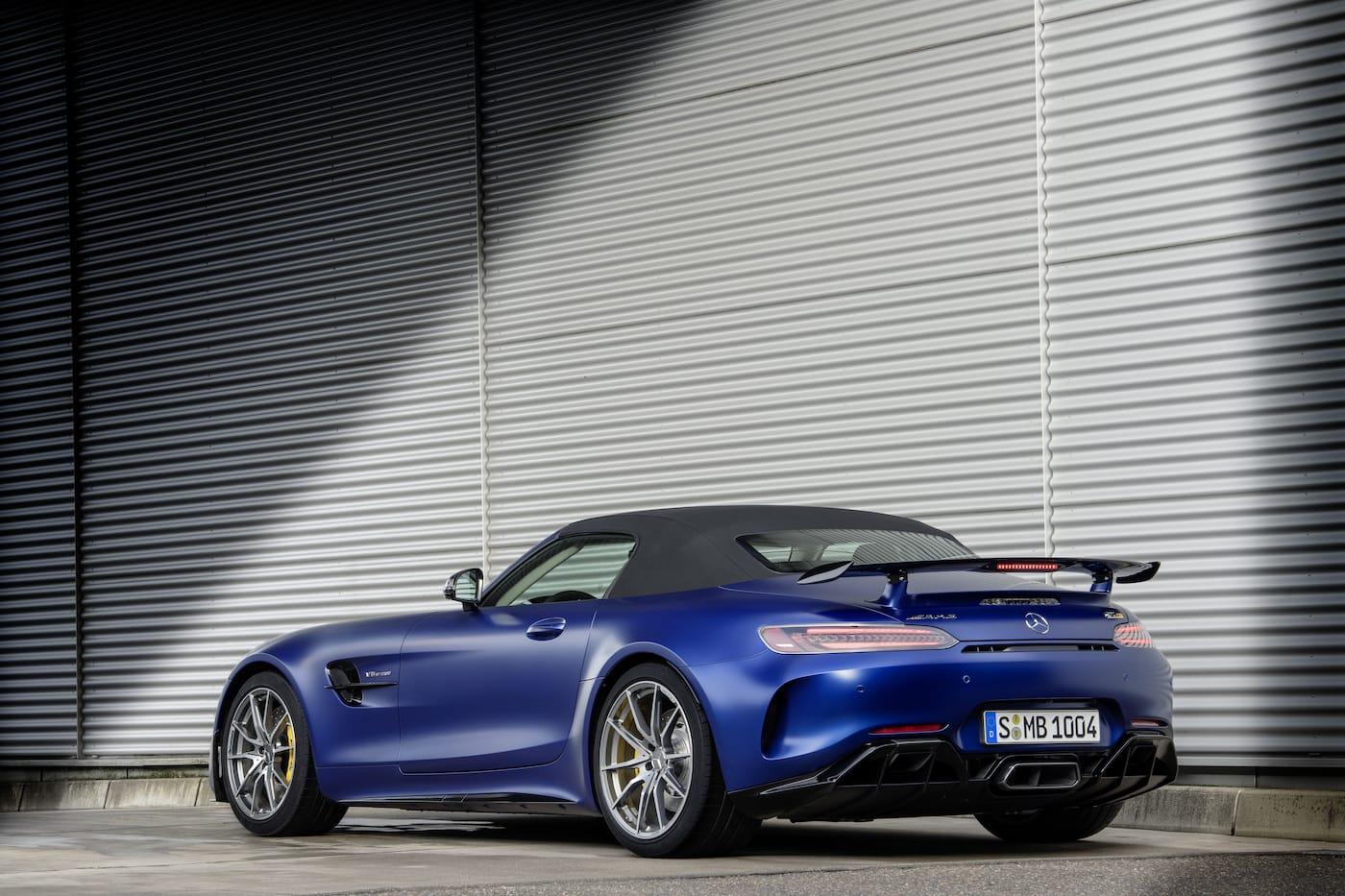 Schöner geht es nicht: Mercedes-Benz präsentiert den AMG GT R Roadster 6