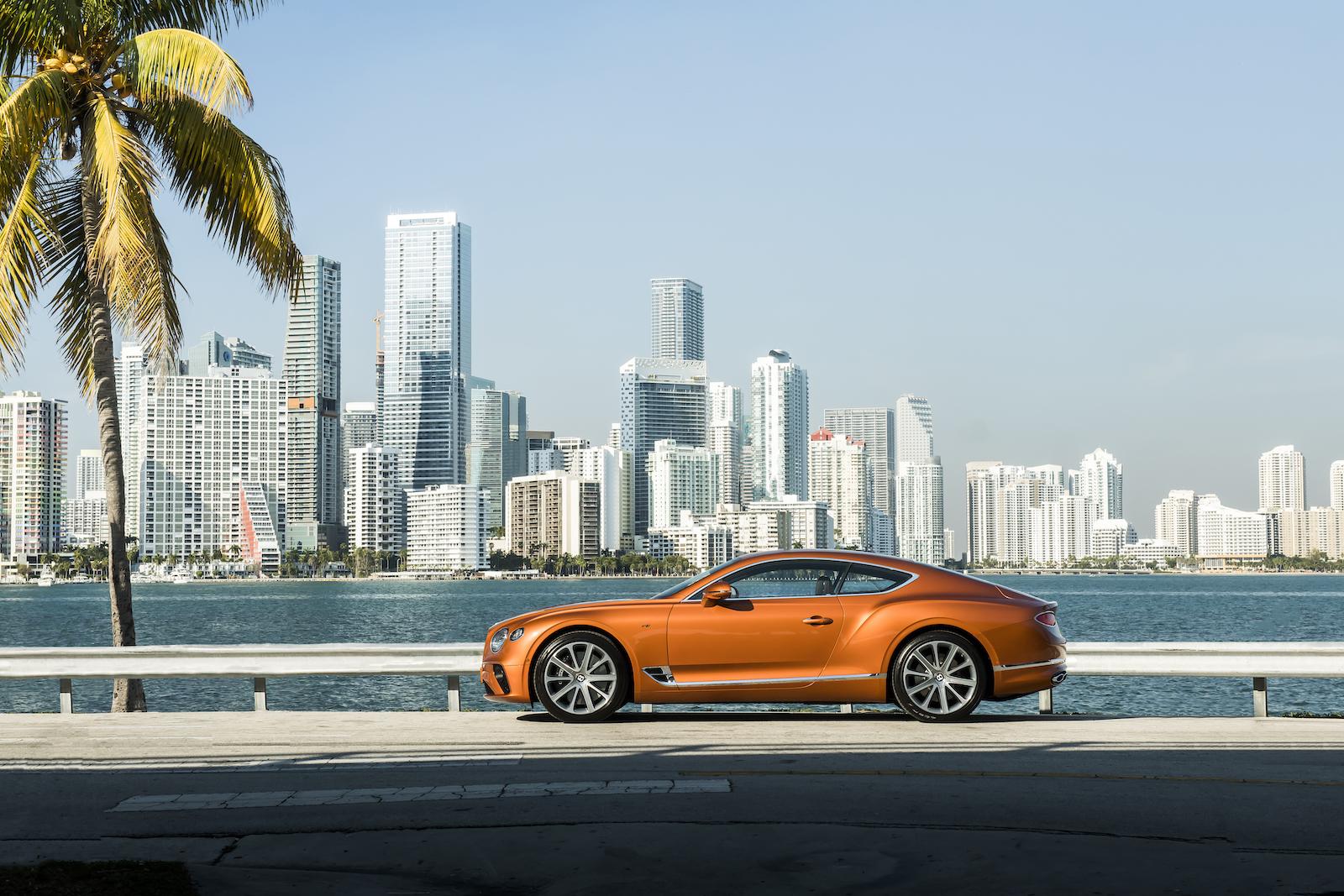 Elegant und handgefertigt: Der neue Bentley GT V8 Convertible und Continental GT V8 10