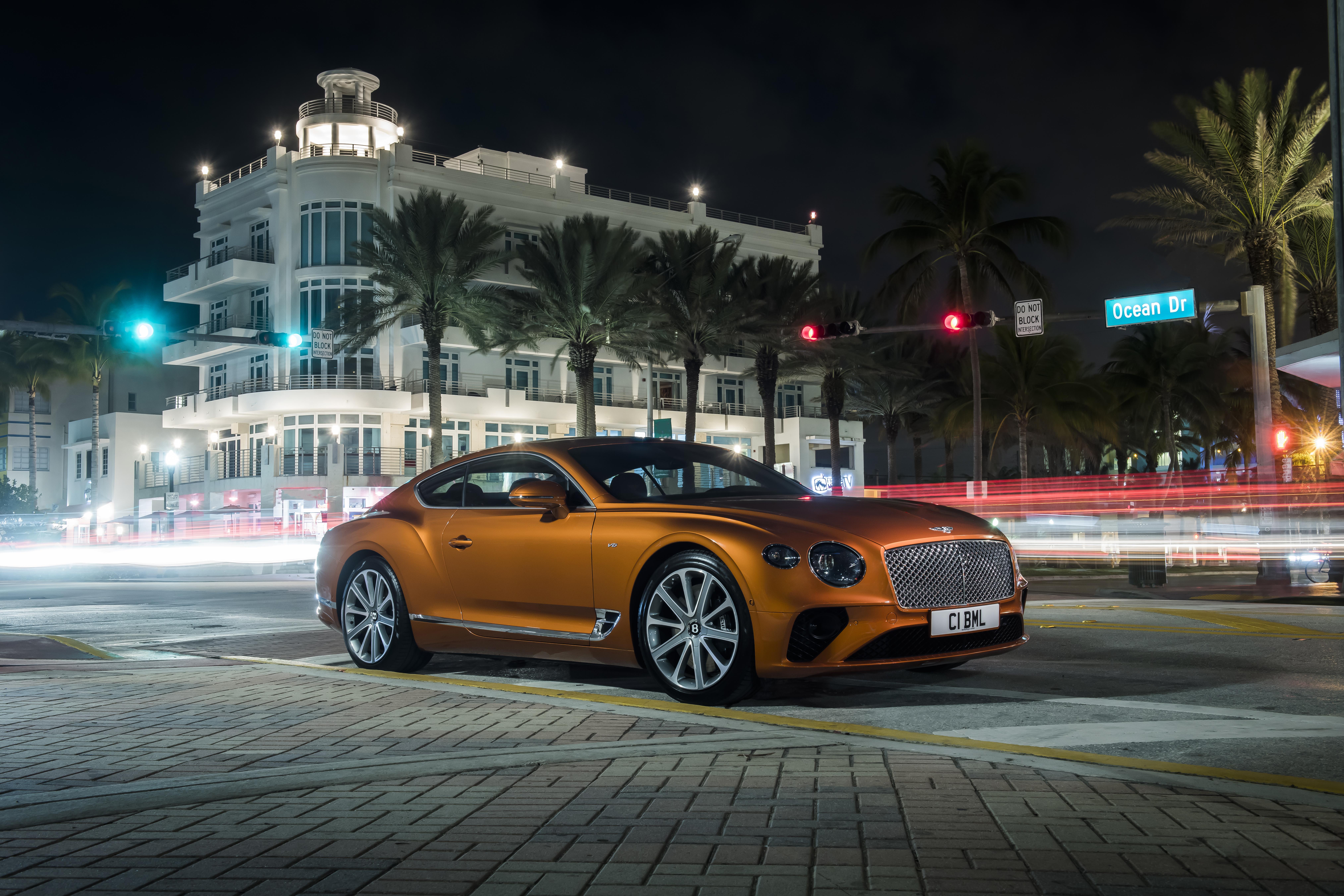 Elegant und handgefertigt: Der neue Bentley GT V8 Convertible und Continental GT V8 2