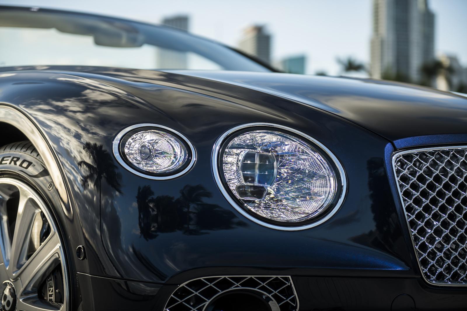 Elegant und handgefertigt: Der neue Bentley GT V8 Convertible und Continental GT V8 12