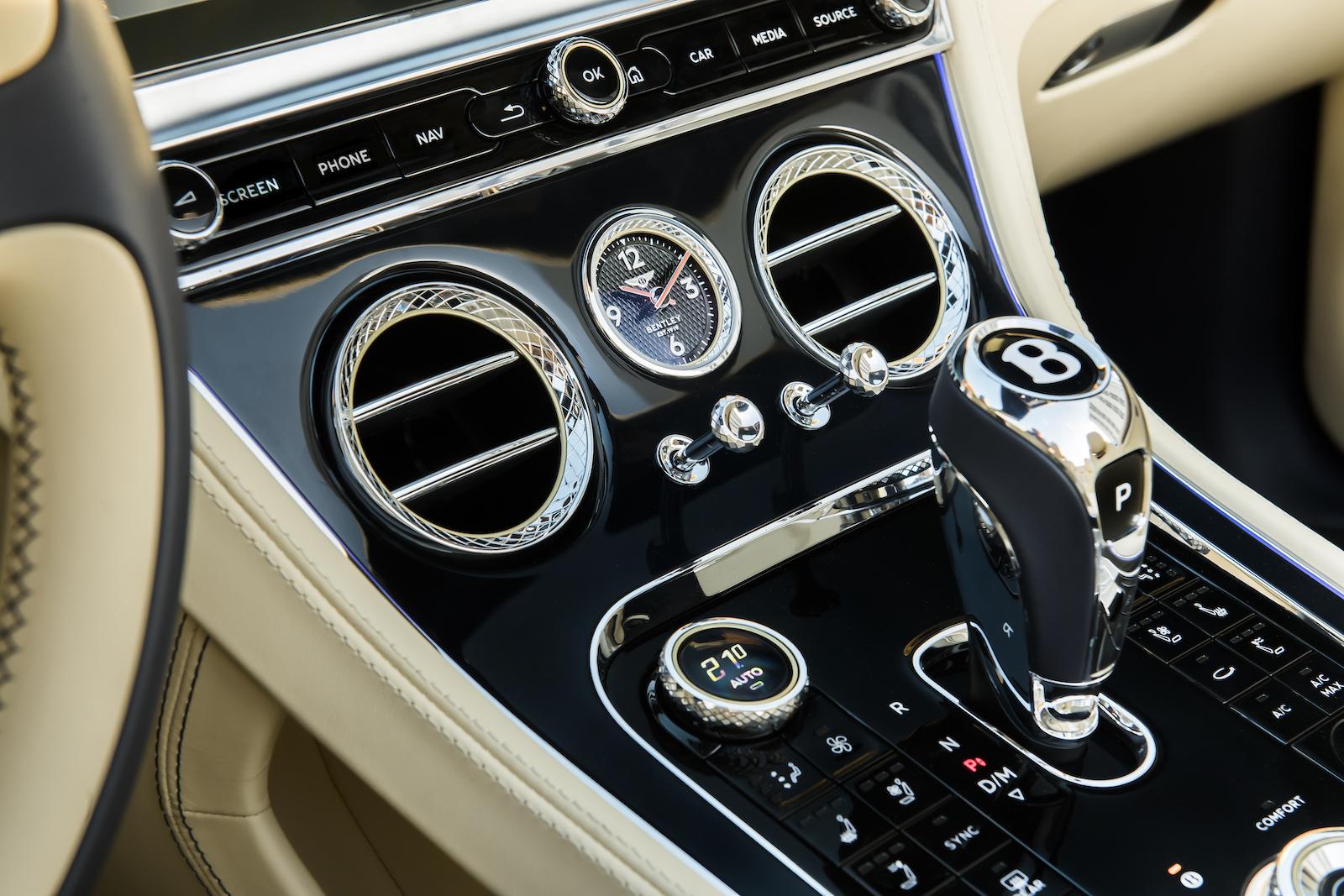 Elegant und handgefertigt: Der neue Bentley GT V8 Convertible und Continental GT V8 13