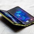 Samsung Galaxy Fold:  Falt-Smartphone startet katastrophal mit Totalschäden des Displays