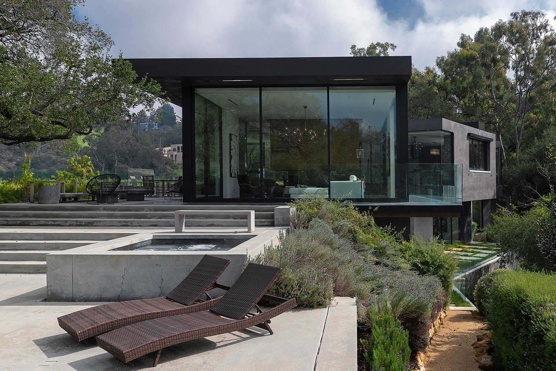 """Eingebettet in die Natur von Beverly Hills: Das """"Oak Pass House"""" 1"""