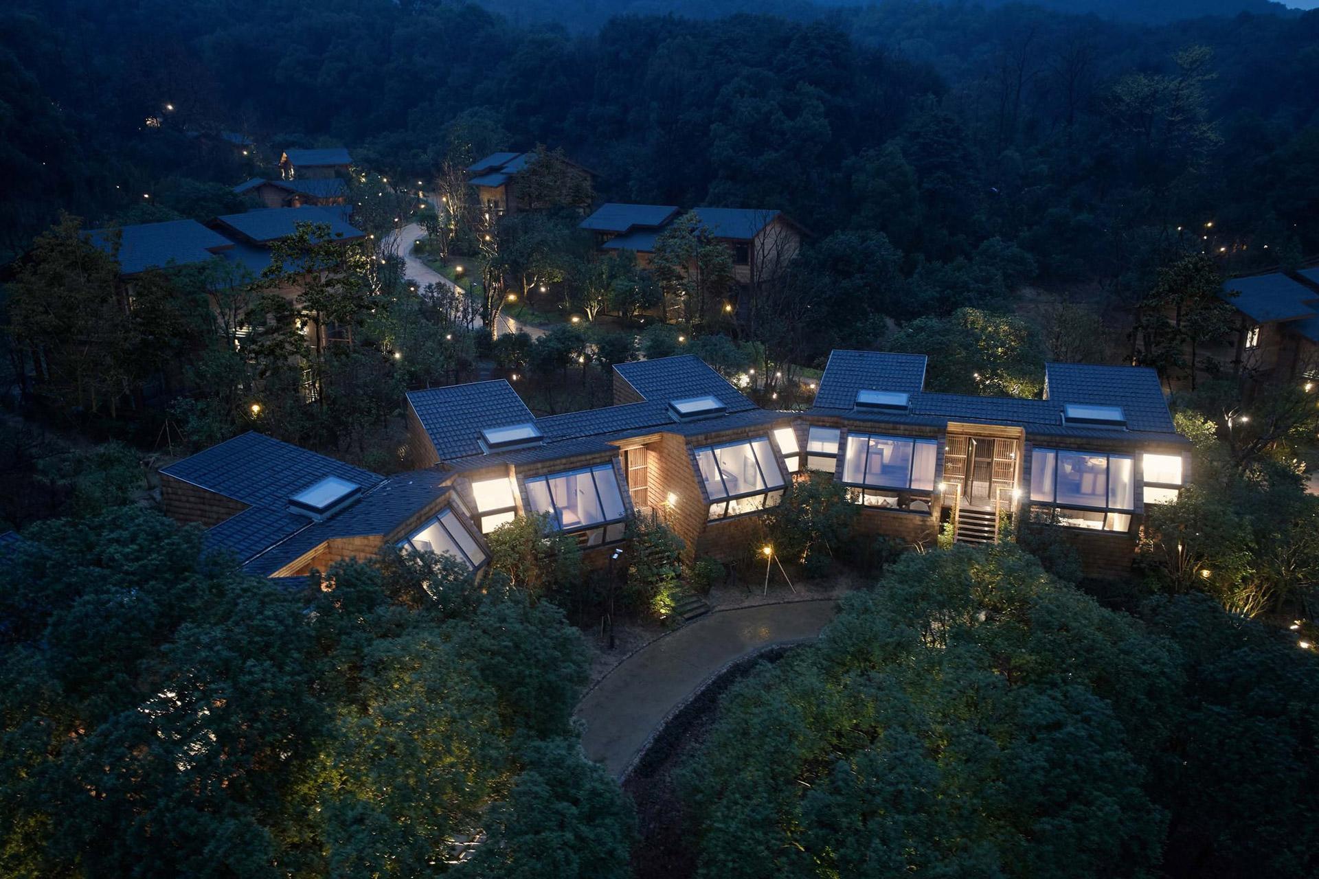 Übernachten im chinesischen Wald: Das Senbo Resort Park-Star Cube Hotel 1