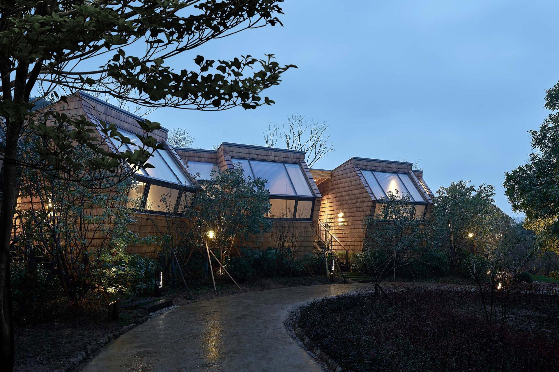 Übernachten im chinesischen Wald: Das Senbo Resort Park-Star Cube Hotel 2