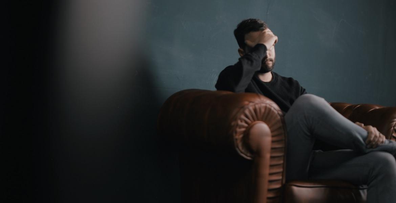 Workaholic: 7 Anzeichen, dass du arbeitssüchtig bist