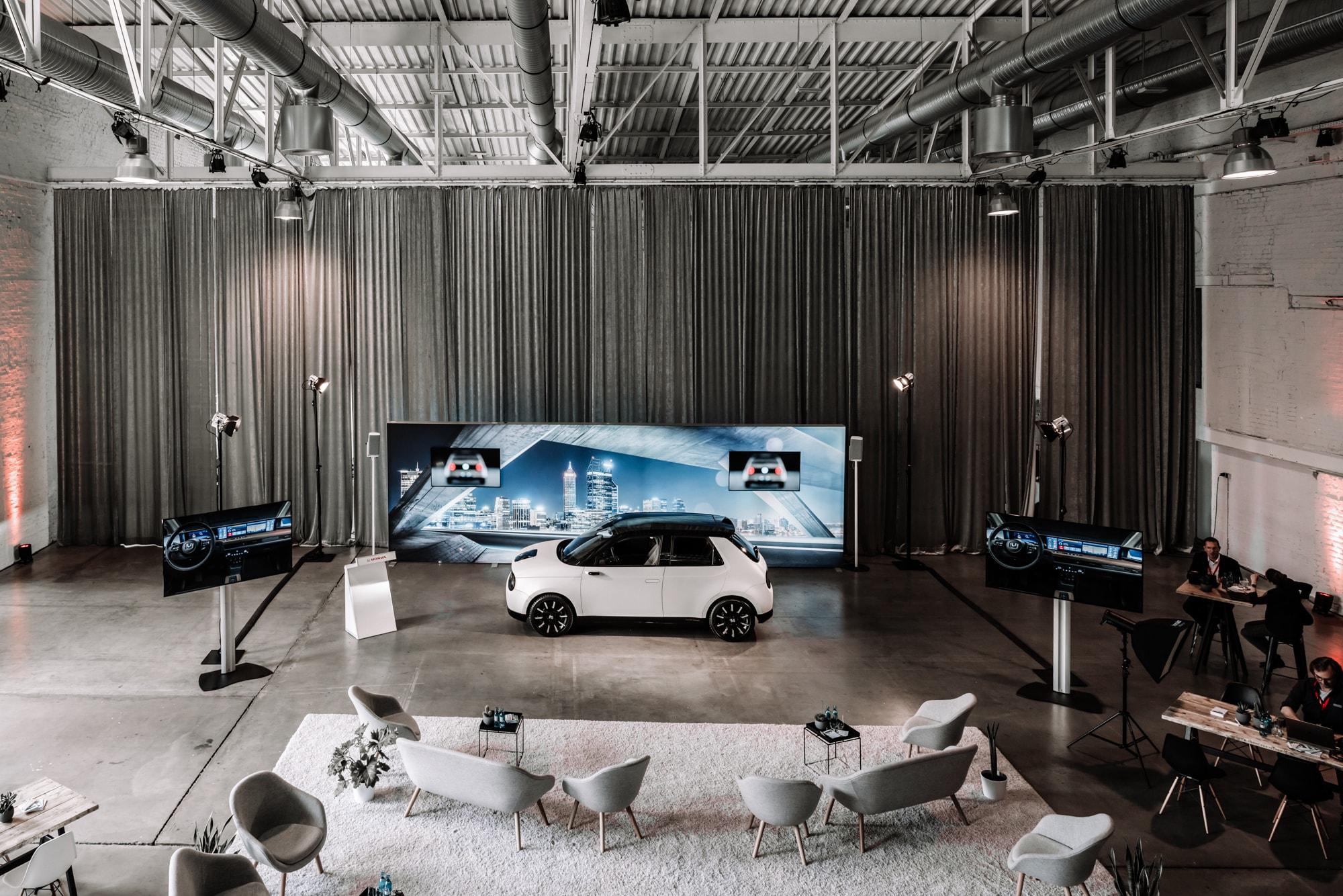 Elektro trifft auf Retro: Der neue Honda E 4