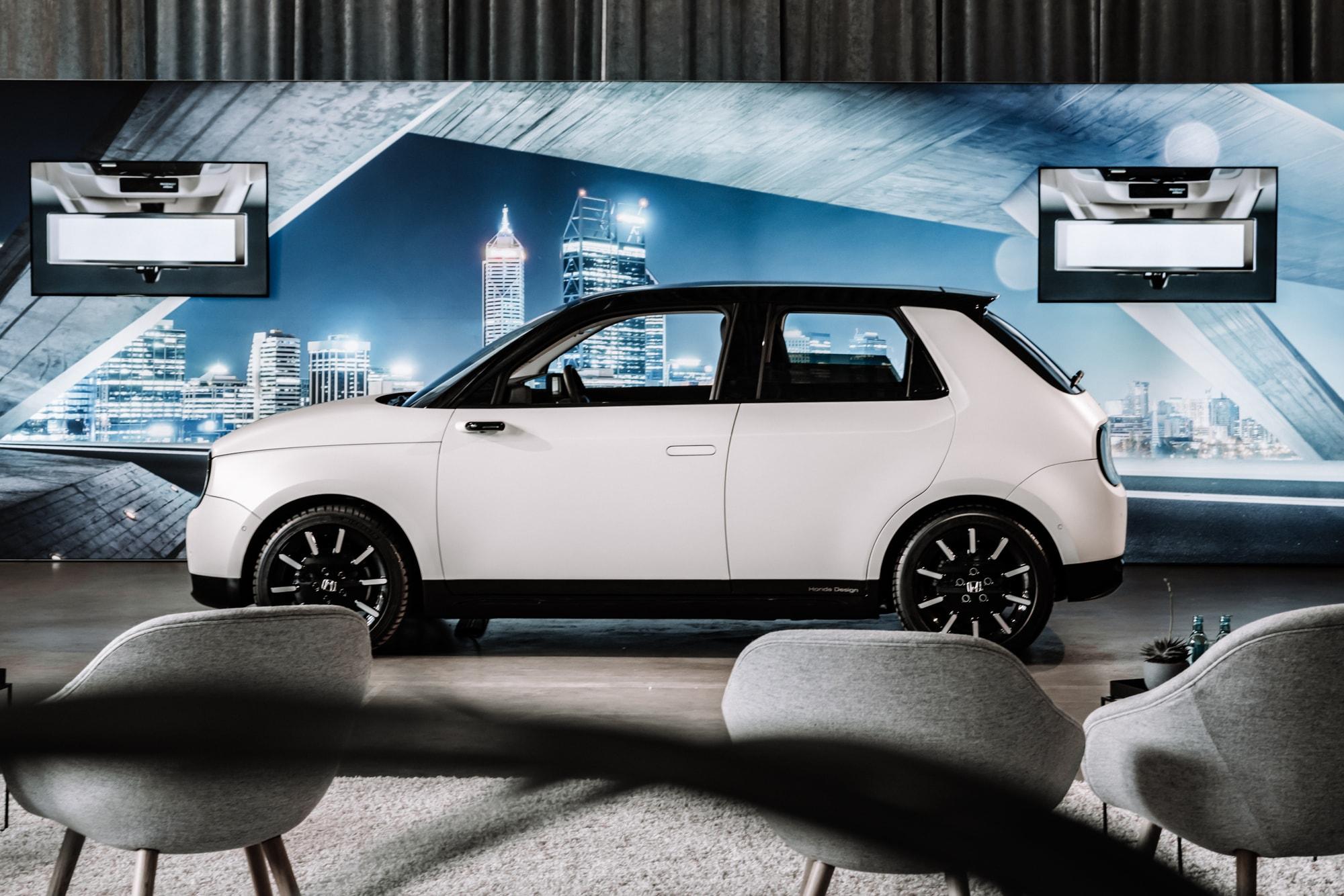 Elektro trifft auf Retro: Der neue Honda E 3