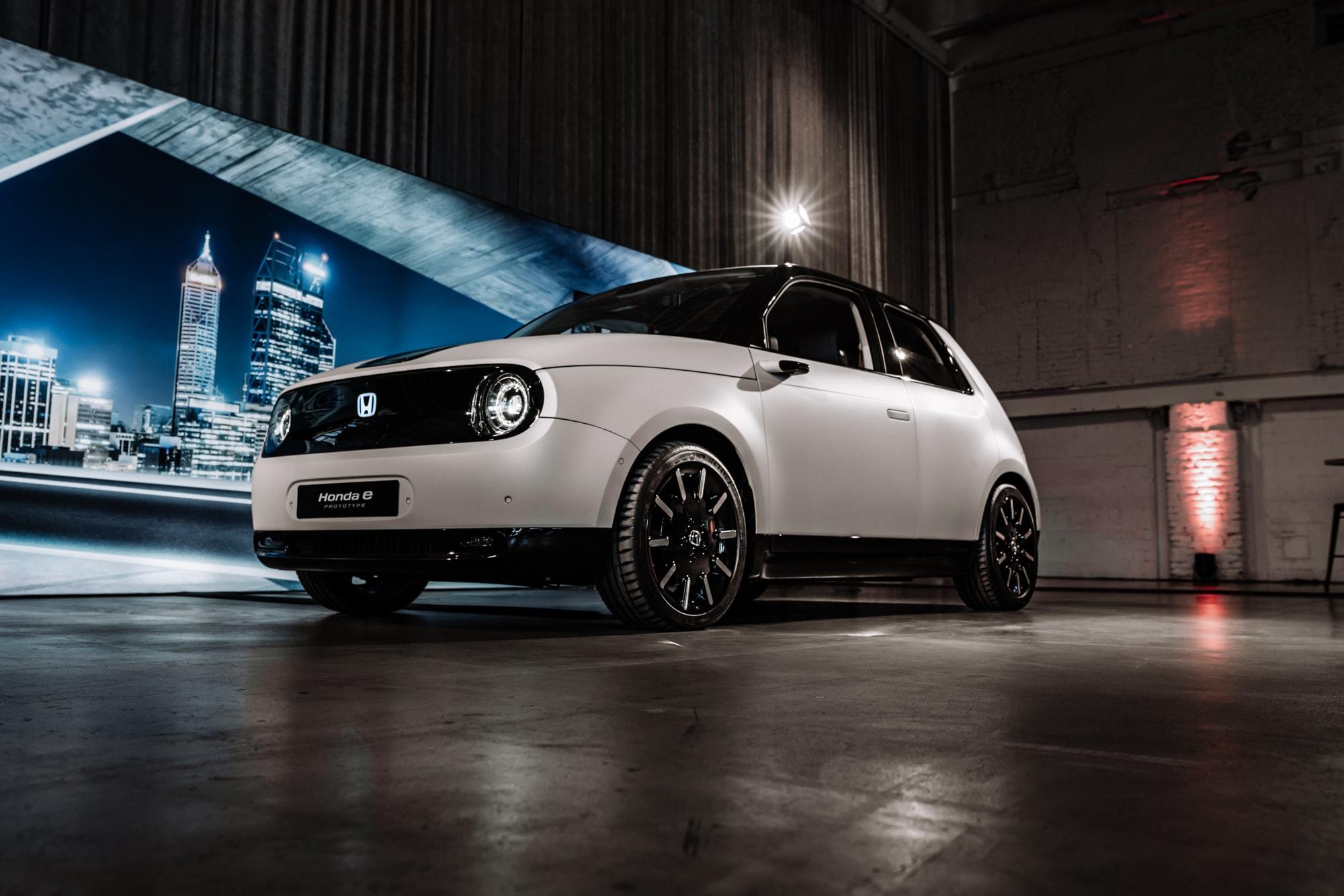 Elektro trifft auf Retro: Der neue Honda E 5