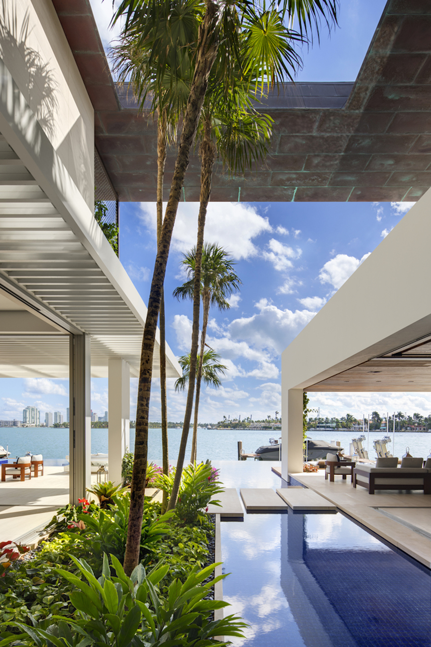 Großzügig, offen und grün: Die Dilido Island Villa von SAOTA in Miami 10
