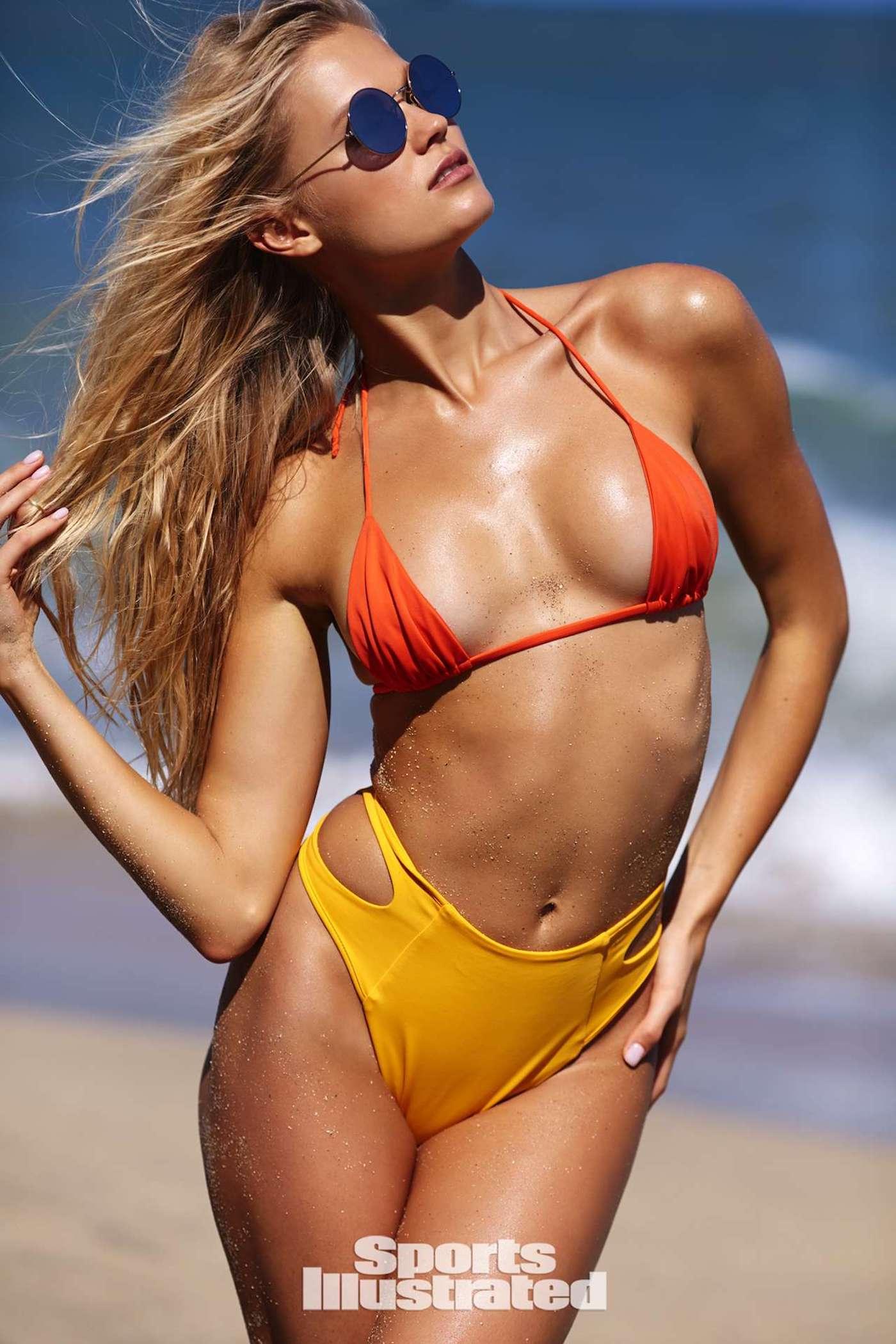 Vita Sidorkina für die Sports Illustrated Swimsuit Issue in Nevis 13