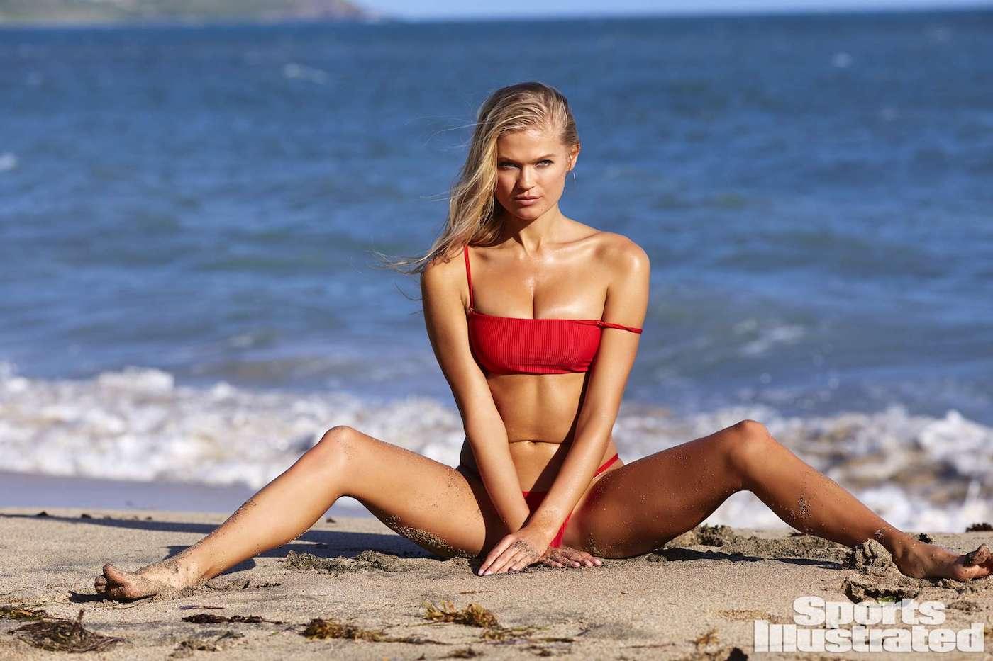 Vita Sidorkina für die Sports Illustrated Swimsuit Issue in Nevis 12