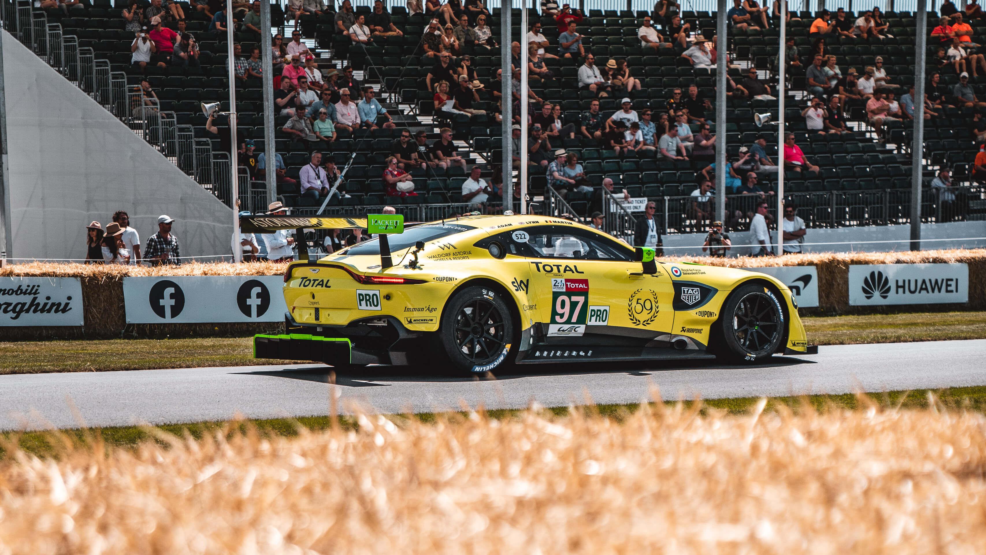 Im Rausch der Geschwindigkeit: Zu Besuch beim Goodwood Festival of Speed mit Michelin 4