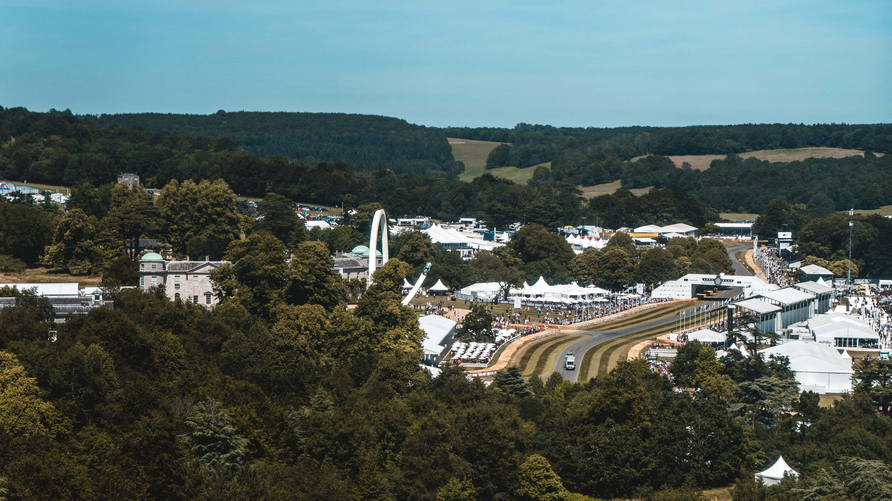 Im Rausch der Geschwindigkeit: Zu Besuch beim Goodwood Festival of Speed mit Michelin 13