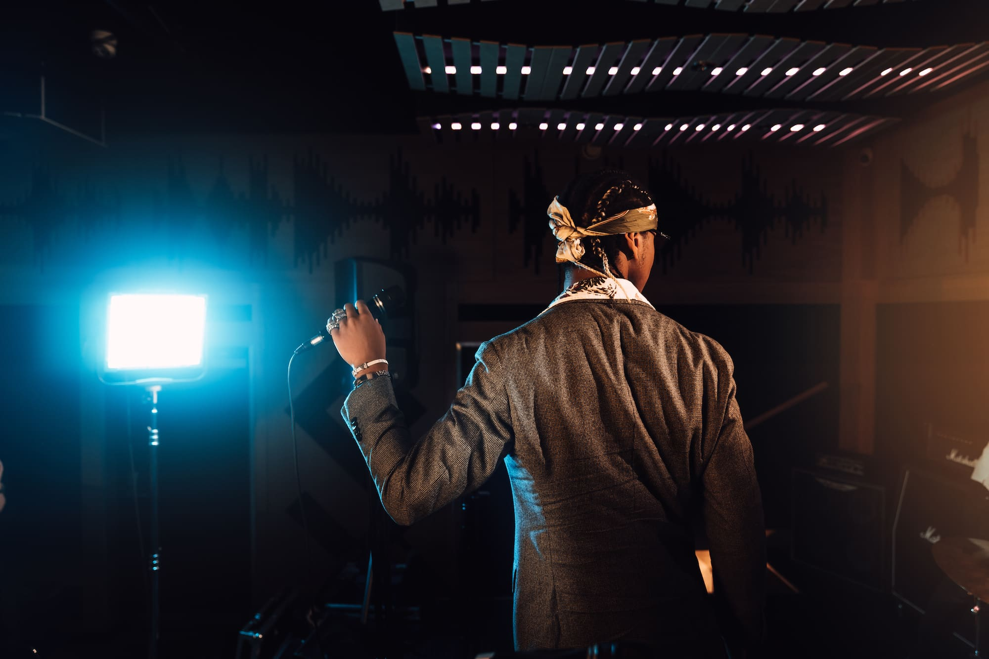 Inspiring Clash mit Andrew VVarholla: Rapper, DJ und Model 6
