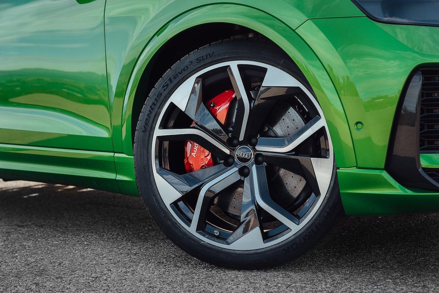 Audi-RSQ8
