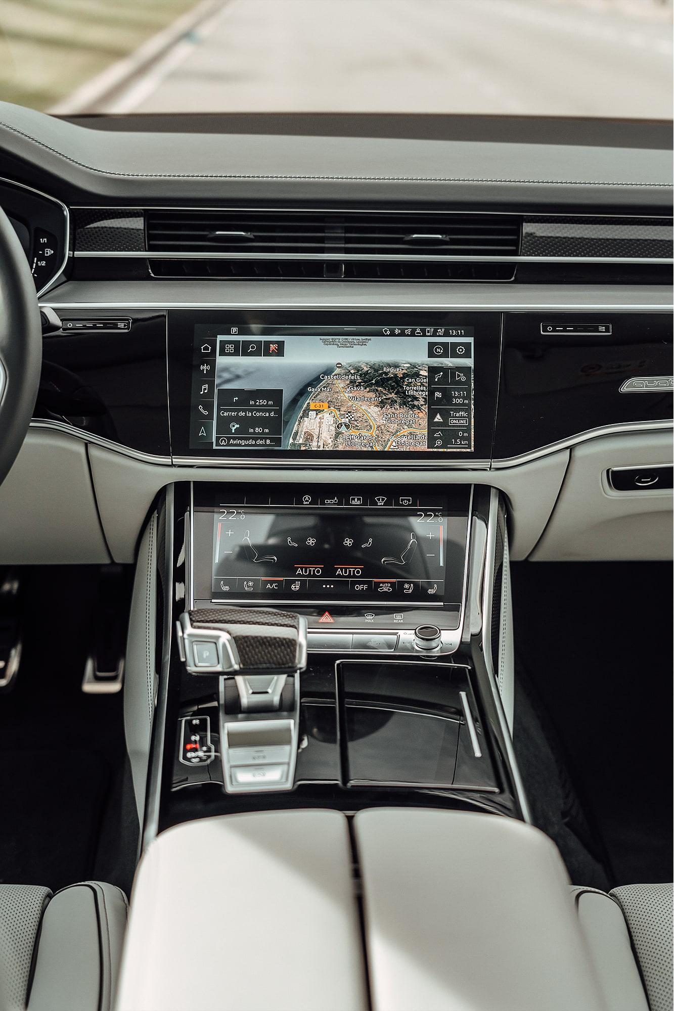 Der neue Audi S8: Komfort und Leistung auf die Spitze getrieben 12