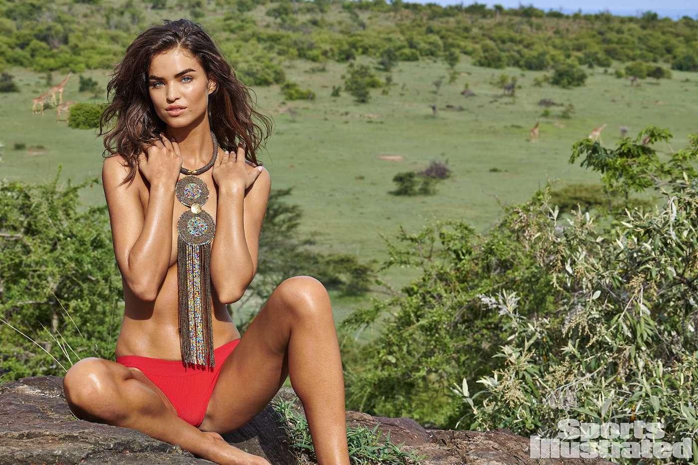 Robin Holzken  für die Sports Illustrated Swimsuit Issue in Kenia 10