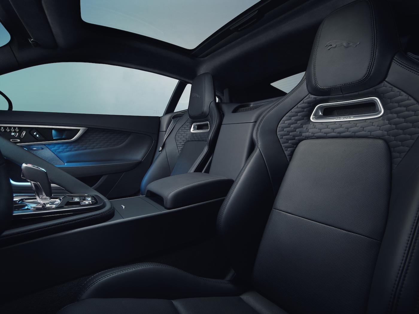 Weltpremiere: Der neue Jaguar F-TYPE wurde in München vorgestellt 4