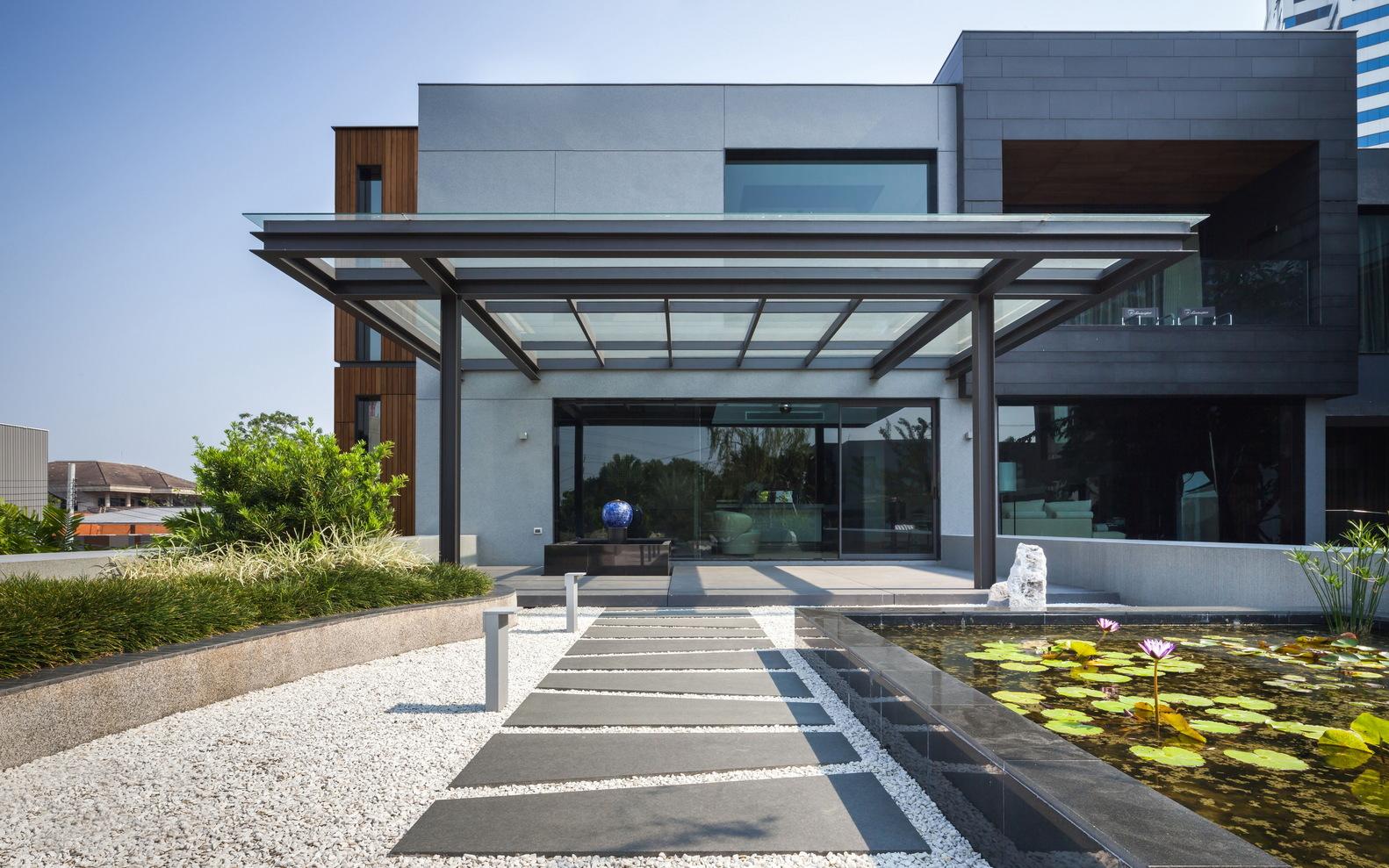 OKS CASA: Ein wahres Traumhaus für Automobilliebhaber 6