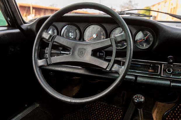 Der Porsche 911 E Coupé: So wertvoll wie ein alter Rotwein, aber deutlich schneller 4